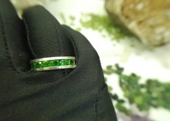 Metal : Silver 925 Stone : chrome Diopside Type : Ladies Design Weight : 6.87 g 铬透辉石銀介指 宝石 :铬透辉石 颜色 : 绿色 透明 : 好透明 金属:银 重量:6.87 克